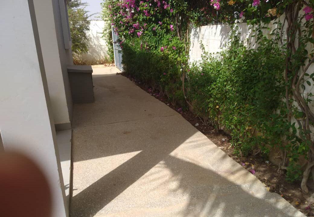 villa 3 chambres à vendre saly diambar24