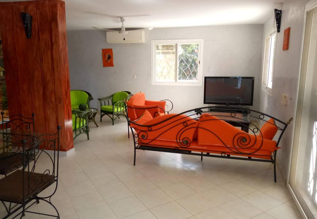 villa 5 chambres à louer saly2