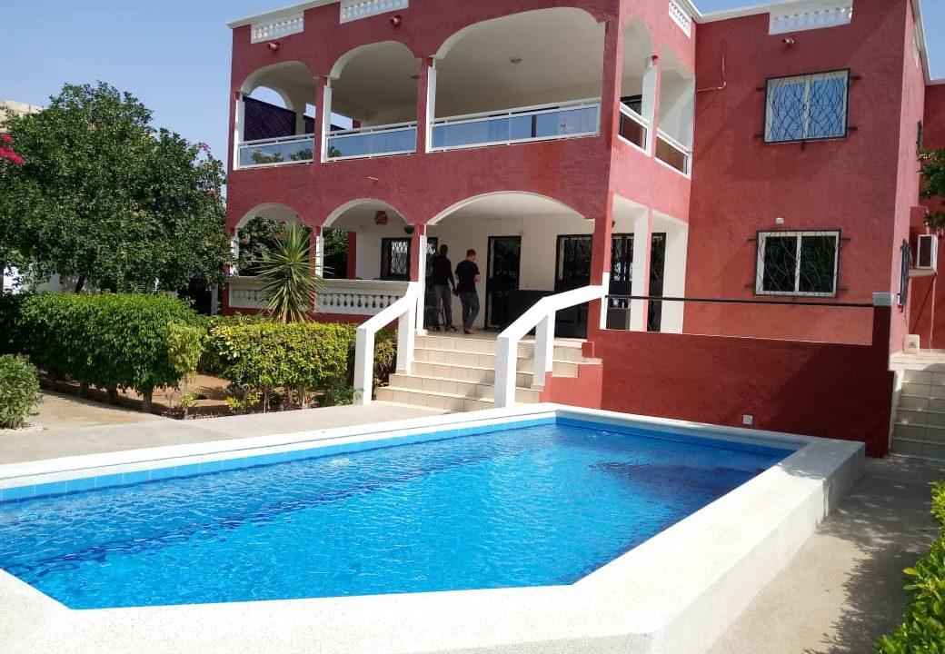 villa 5 chambres à louer saly8