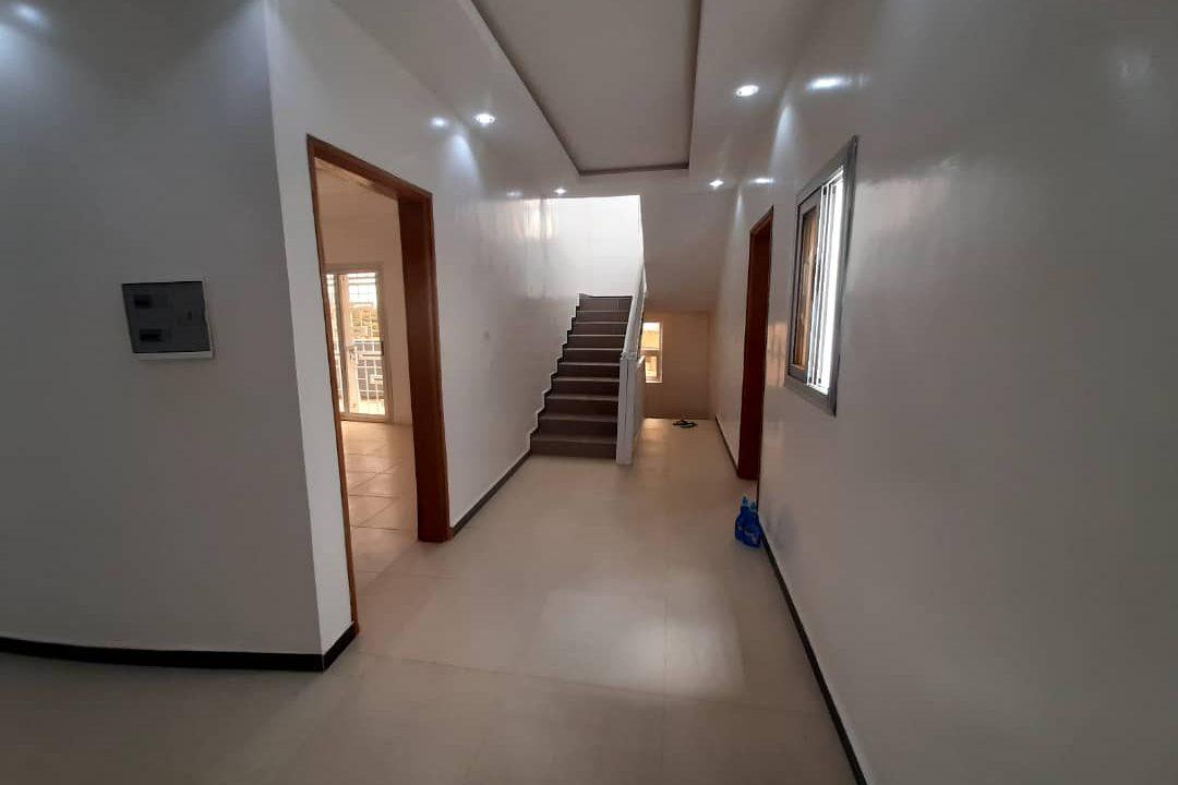 maison neuve 7 chambres à vendre à thiés 15