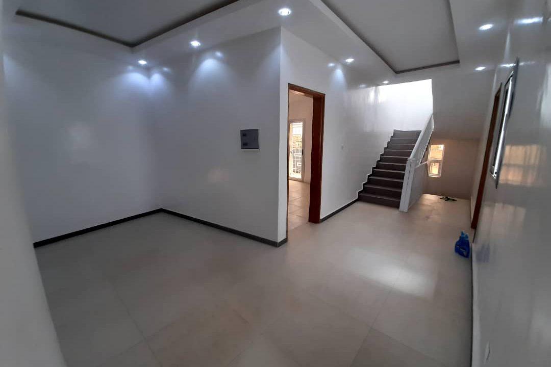 maison neuve 7 chambres à vendre à thiés 20