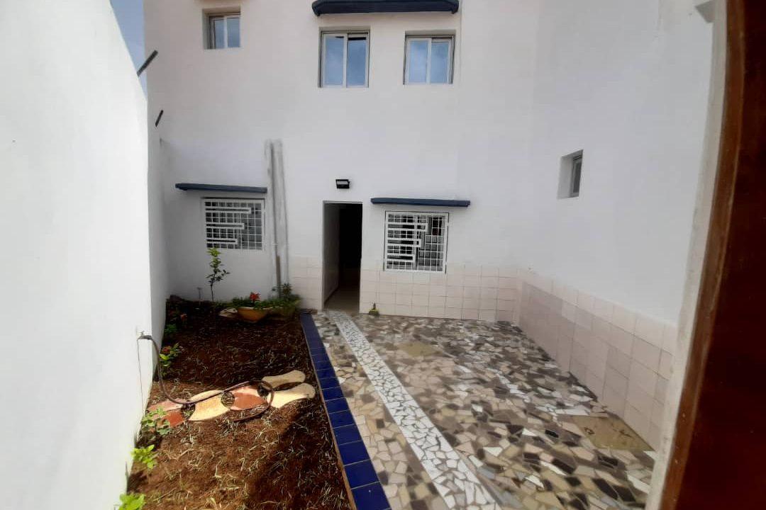 maison neuve 7 chambres à vendre à thiés 3