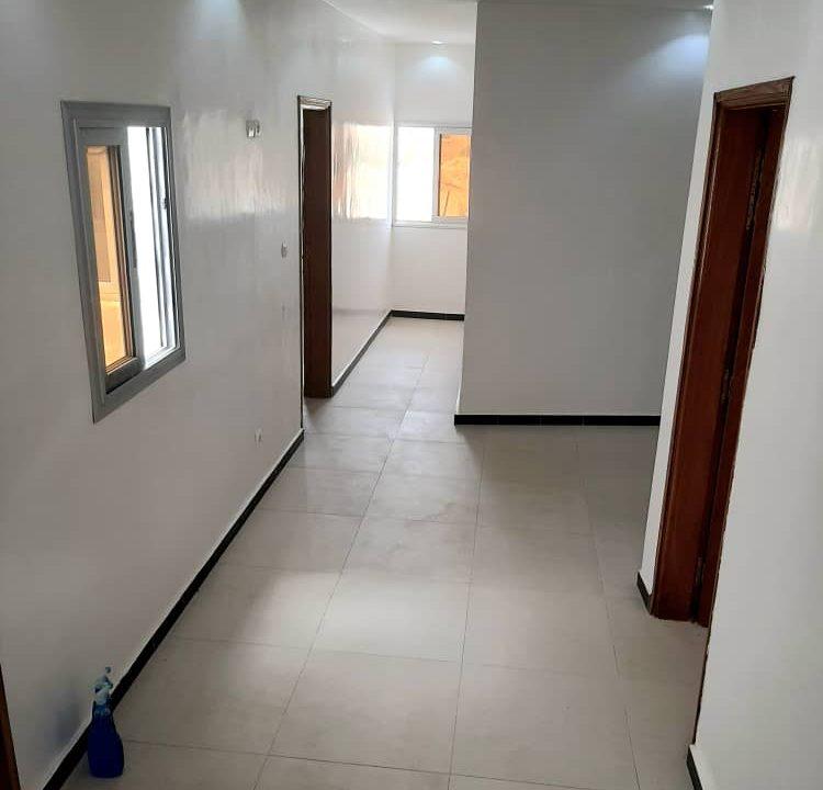 maison neuve 7 chambres à vendre à thiés 8