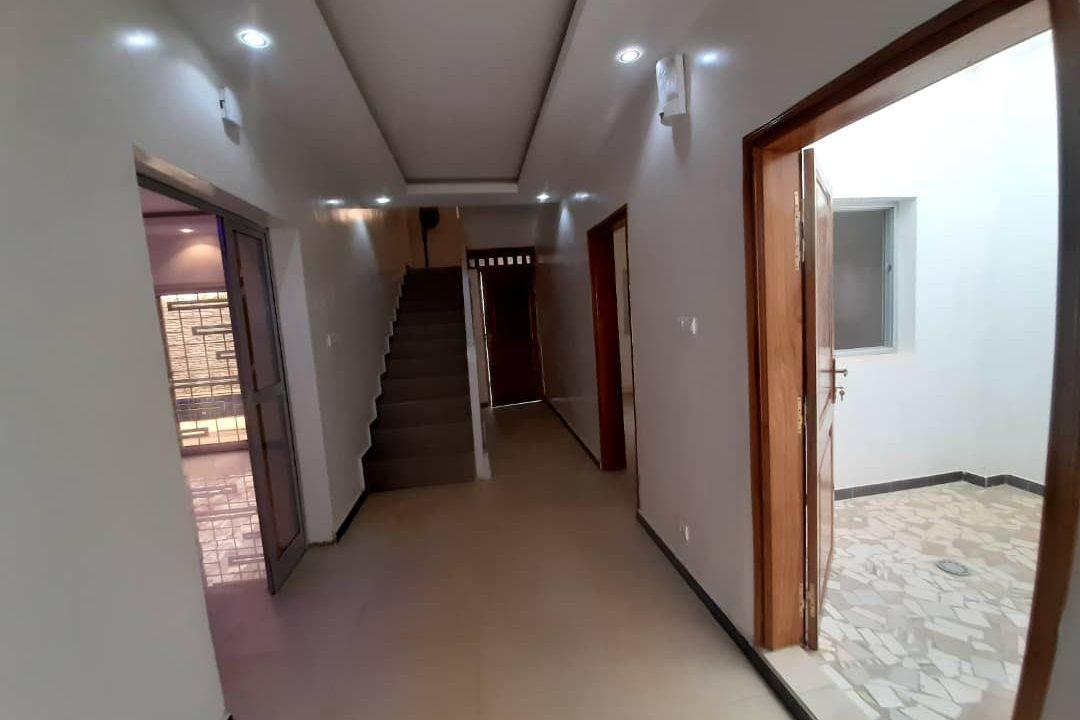 maison neuve 7 chambres à vendre à thiés 9