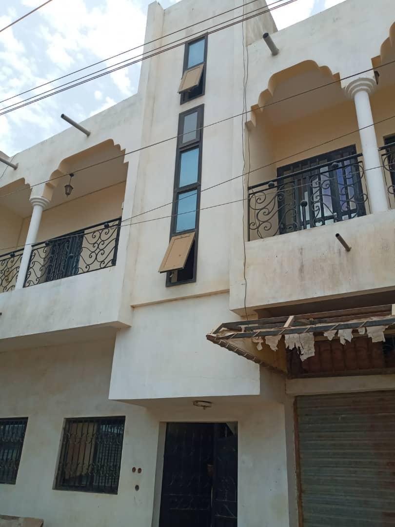 Villa 7 chambres à Ouakam